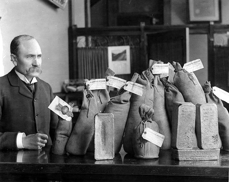 First shipment of gold from Nome to Seattle, ca. 1899