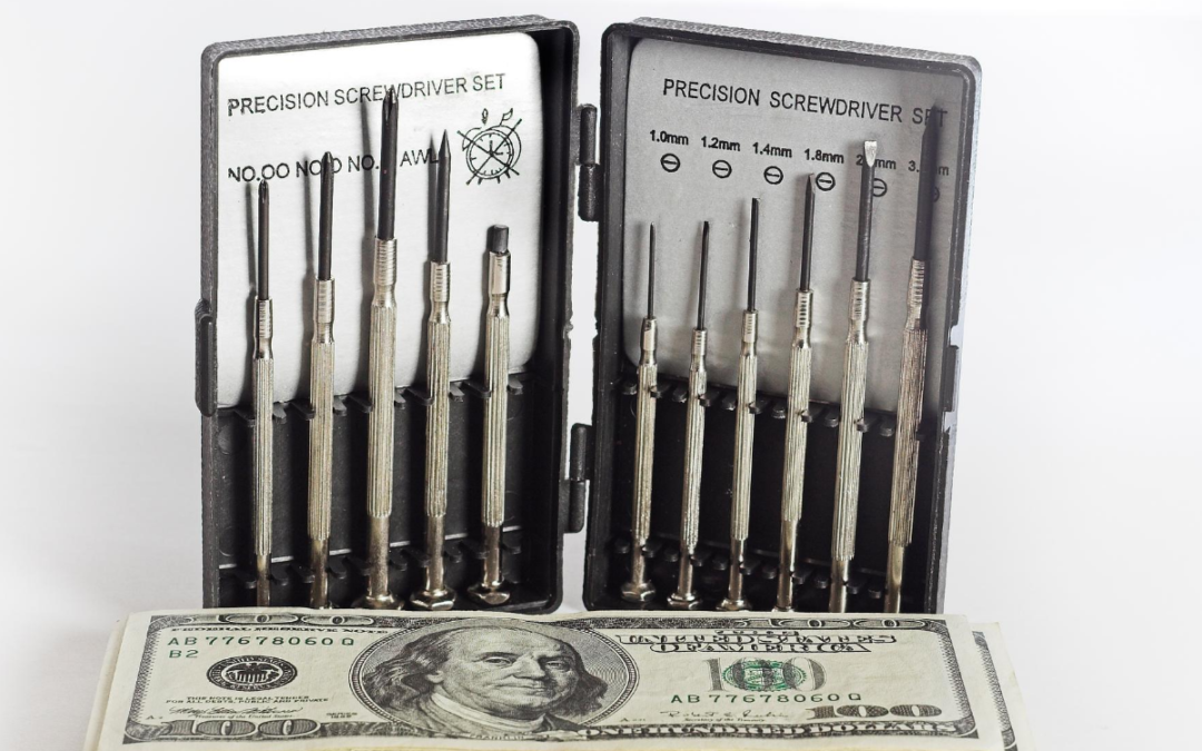 Screwdriver set and cash